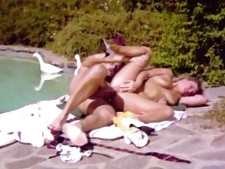 Xxxjox Julianne James Hook-up By The Pool